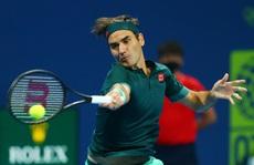 Federer thắng vất vả sau 405 ngày 'treo vợt'
