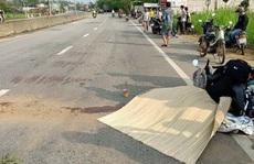 Quảng Nam: Quay lại lượm mũ bảo hiểm, người phụ nữ bị xe tải tông tử vong