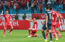 Ngọc Hải trở lại và ghi bàn, CLB Viettel thắng đậm Bình Dương