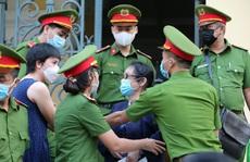 Toàn cảnh phiên toà xét xử ông Nguyễn Thành Tài và nữ đại gia ngày đầu tiên