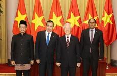 Tổng Bí thư, Chủ tịch nước Nguyễn Phú Trọng tiếp các Đại sứ đến trình Quốc thư
