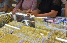 Giá vàng hôm nay 19-3: Giảm sốc, các quỹ đầu tư bán 10 tấn vàng
