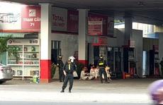 NÓNG: Cảnh sát cơ động phong tỏa cây xăng Vân Trúc ở TP Thuận An