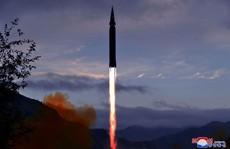Lại phóng 1 loạt tên lửa mới, Triều Tiên toan tính gì?