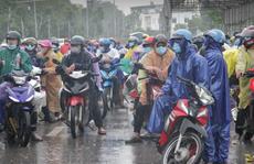 7.700 người lao động từ các tỉnh phía Nam đi xe máy về Nghệ An