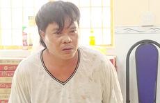 Ngồi giặt đồ trước nhà, 1 phụ nữ bị hàng xóm đâm tử vong