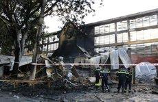 Cháy chợ, hàng trăm ki-ốt bị thiêu rụi