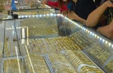 Giá vàng hôm nay 15-10: Đà tăng khựng lại khi chứng khoán quốc tế hồi phục