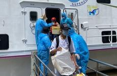 Kiên Giang: Chuyển tàu đầu tiên đưa người dân 'mắc kẹt' ở đất liền về đảo
