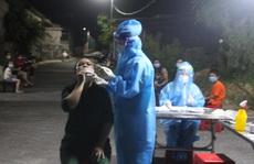 Biểu hiện ho sốt đến bệnh viện khám, 2 vợ chồng dương tính SARS-CoV-2