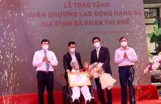 Nhà giáo Phan Thị Nhế được tặng Huân chương Lao động hạng Ba