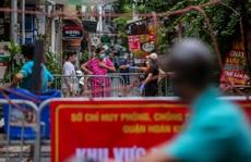 CLIP: Hà Nội phong tỏa thêm nhiều tuyến phố gần Bệnh viện Việt Đức