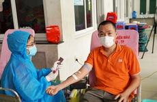 """FPT hiến máu mùa dịch: """"Những lúc thế này người bệnh mới thực sự cần đến mình"""""""