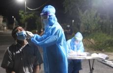 Mệt mỏi đến trạm y tế test nhanh, 3 người trong gia đình dương tính SARS-CoV-2