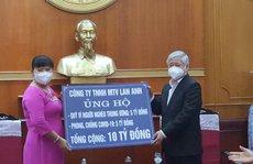 Doanh nhân Nguyễn Nam Phương trao tiền phòng chống dịch COVID-19 và giúp đỡ người nghèo