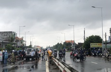Giao thông TP Quảng Ngãi tê liệt, Quốc lộ 1 bị lũ chia cắt nhiều nơi