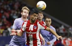 'Cố nhân' Suarez gieo sầu, Barcelona thua ở Wanda Metropolitano