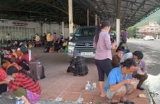 Thừa Thiên - Huế: Bố trí ôtô trung chuyển 350 người đi bộ về quê