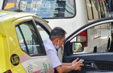 Đà Nẵng: Xe buýt vắng khách, tài xế taxi rầu rĩ