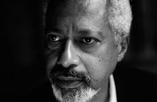 Tiểu thuyết gia gốc Phi đoạt giải Nobel Văn học 2021