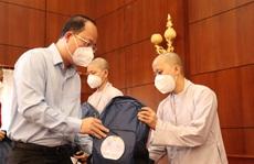 TP HCM: Các tình nguyện viên tôn giáo tiếp tục lên đường phục vụ các bệnh viện điều trị Covid-19