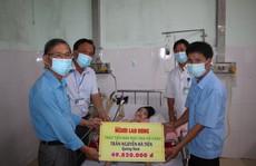 Người cha 8 năm đón Tết cùng con ở bệnh viện: Trao 49,82 triệu đồng của bạn đọc gửi tặng