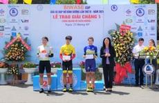 Video: Xe đạp nữ đua vòng quanh hồ Xuân Hương Đà Lạt