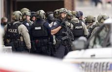 Mỹ: Xả súng trong cửa hàng tạp hóa, ít nhất 10 người chết
