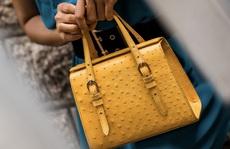 Độc đáo thời trang công sở với túi xách da đà điểu, cá sấu Khatoco