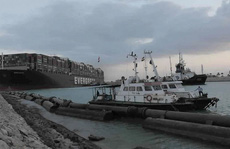 Thêm 2 tàu kéo đến cứu 'siêu tàu' Ever Given