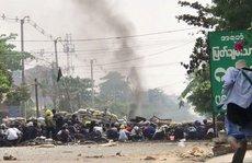 Hơn 500 người chết từ khi đảo chính, Myanmar hứng 'biểu tình rác'