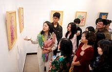 Nữ sinh Hà Nội tổ chức triển lãm đặc biệt 'Hồi hải mã' gây quỹ từ thiện