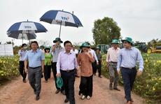 Tân Bộ trưởng Nông nghiệp và Phát triển Nông thôn Lê Minh Hoan đến thăm Nông trường Thành Long