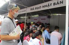 Xếp hàng dài chờ thưởng thức bò tuyết, sô cô la... tại Lễ hội Nhật - Việt