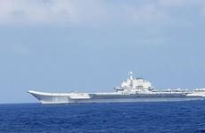 Tàu khu trục Mỹ bám sát tàu sân bay Trung Quốc trên biển Đông