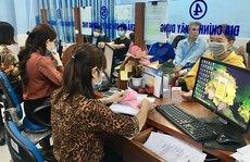 Quá tải giải quyết hồ sơ hành chính: Cán bộ thêm việc, người dân thêm giờ chờ