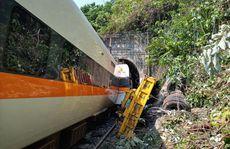 Đài Loan: Tàu trật đường ray trong đường hầm, ít nhất 36 người chết