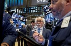 Phố Wall giảm sau khi Fed giữ nguyên lãi suất