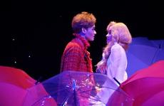 'Romeo và Juliet' cuốn hút khán giả, khiến Việt Anh, Hồng Vân hạnh phúc