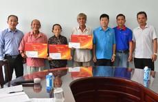 'Mai Vàng nhân ái' thăm 3 nghệ sĩ ở Bến Tre