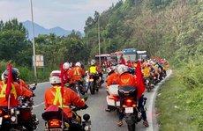 Đoàn đua xe đạp Cúp truyền hình TP HCM mắc kẹt trên đèo Bảo Lộc