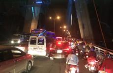 Ngăn hàng trăm 'quái xế' đua xe ở cầu Cần Thơ rạng sáng 30-4