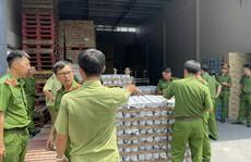 Kho hàng lậu giữa TP Long Khánh