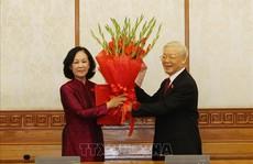 Tổng Bí thư trao quyết định phân công bà Trương Thị Mai làm Trưởng ban Tổ chức Trung ương