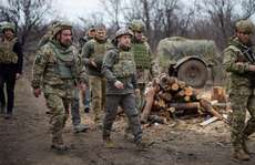 Căng thẳng Ukraine: Nga 'nói cứng', Mỹ cân nhắc điều tàu chiến