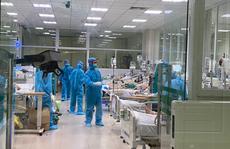 Clip: Nửa đêm cấp cứu bệnh nhân Covid-19 nặng tại Bệnh viện Bệnh Nhiệt đới Trung ương