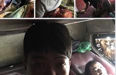 CLIP: Bất ngờ thấy 5 người Trung Quốc 'nằm' trong khoang hành lý xe khách