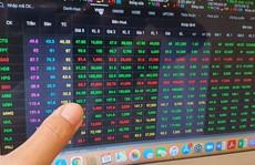 Cổ phiếu ngân hàng tăng nóng có đáng lo?