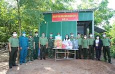 Quỹ Từ thiện Kim Oanh tặng quà động viên lực lượng chống dịch biên giới tỉnh Tây Ninh