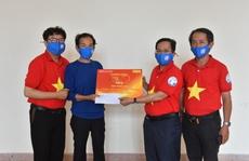 'Mai Vàng nhân ái' thăm NSND Hoàng Phi Long và nghệ sĩ Bửu Khánh